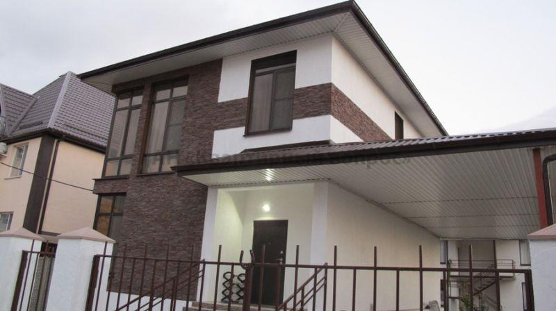 Жилой и гостевой дом в Анапе - 1